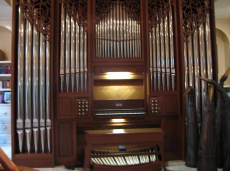 Bob and Pat's Residence Organ